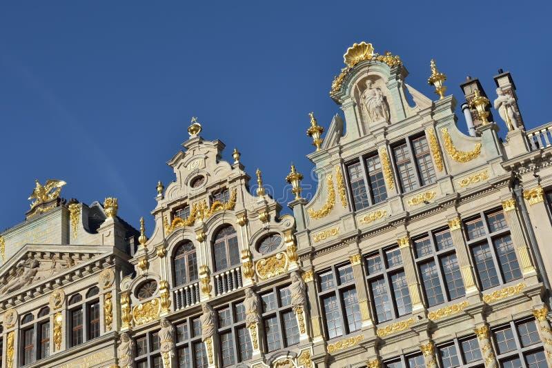 Wieder hergestellte Gebäude von Zunfthäusern auf Grand Place in Brüssel stockbilder