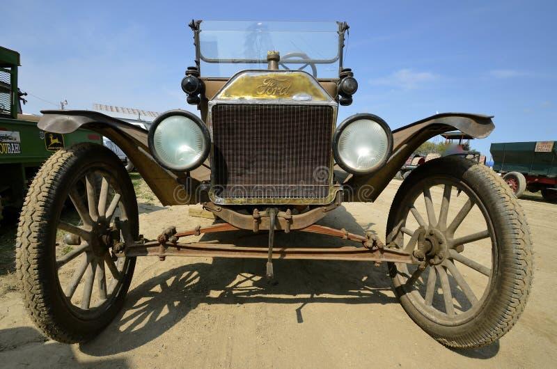 Wieder hergestelltes vorbildliches T Ford-Automobil stockfotos