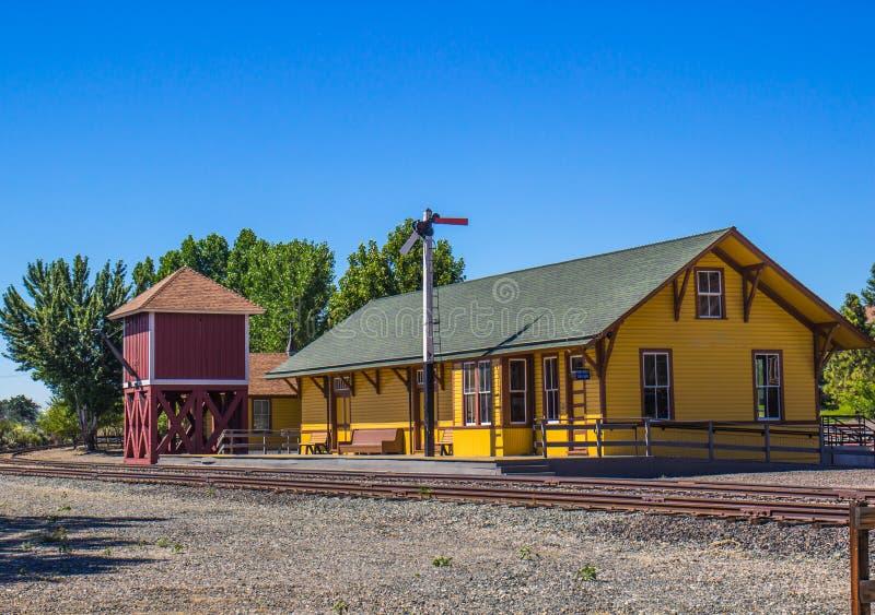 Wieder hergestelltes Zug-Depot-u. Wasser-Behälter-Gebäude lizenzfreie stockfotografie