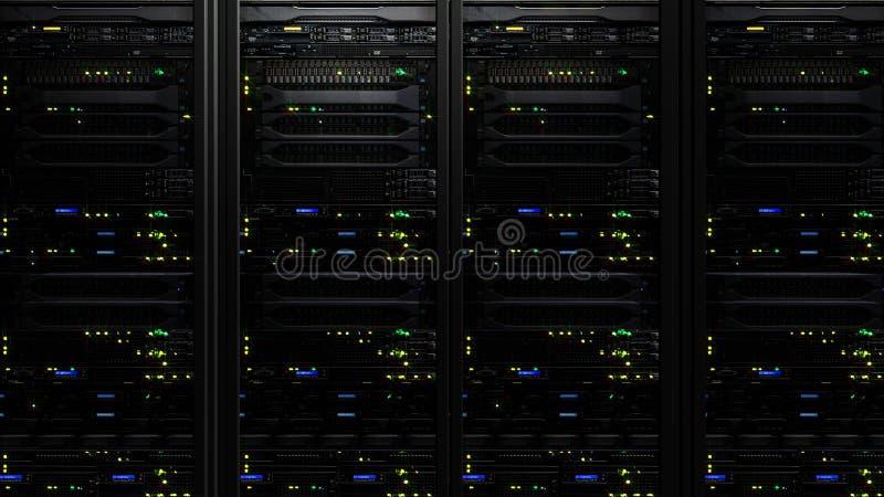 Wiedergabe 3D eines dunklen modernen Serverraum-Rechenzentrums in der Speichermitte stockbild