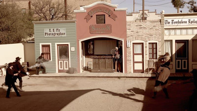 Wiederinkraftsetzung der Schießerei an der OKAYhürde in der Finanzanzeige, Arizo stockbilder