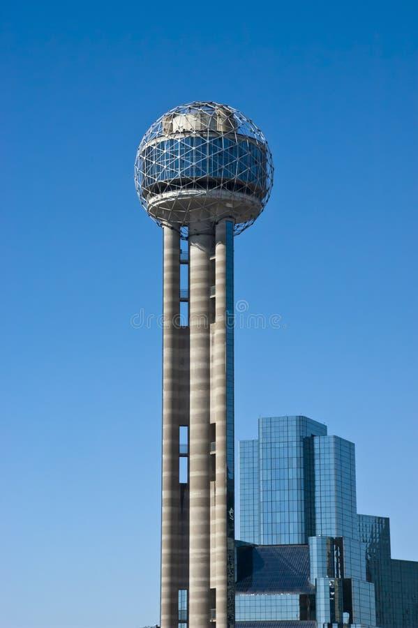 Wiedervereinigung-Kontrollturm in im Stadtzentrum gelegenem Dallas, Texas lizenzfreie stockfotos