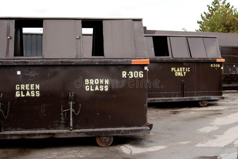 Wiederverwertung der Müllcontainer lizenzfreies stockbild