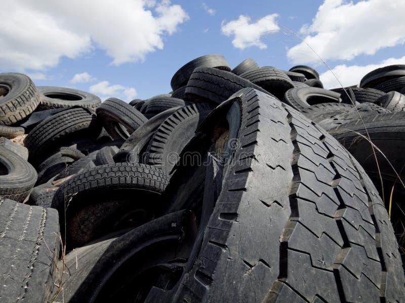 Wiederverwertung von Reifen stockbilder