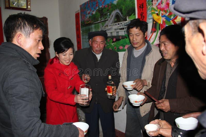 Wiejscy rodzinni zgromadzenia w porcelanowym Azja zdjęcie stock