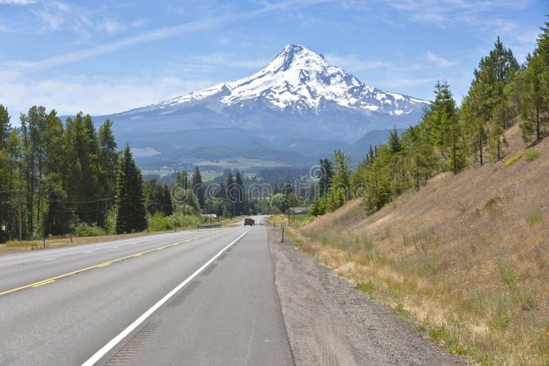 Wiejska droga i Mt Kapiszon dolina Oregon fotografia royalty free
