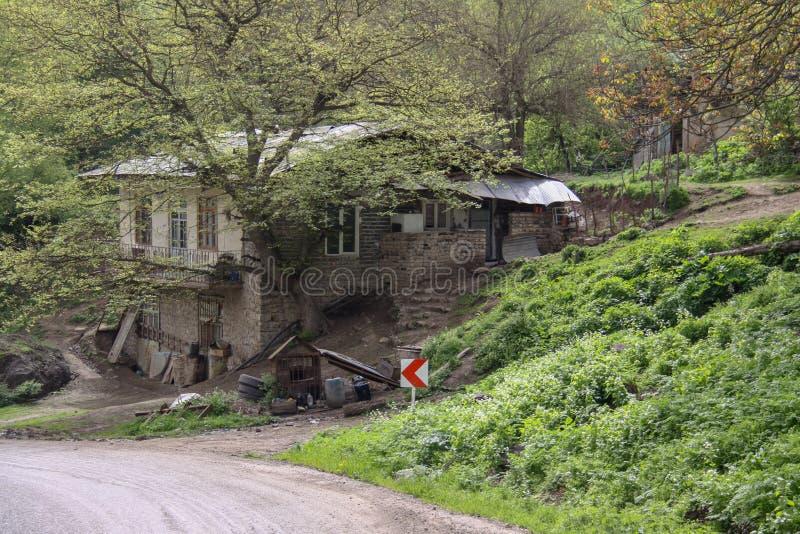 Wiejski dom blisko drogi w jeden piękne wioski północny Iran, Gilan obraz stock