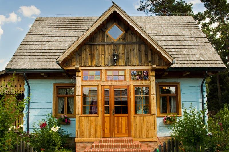 Wiejski drewniany dom w Polska obraz royalty free
