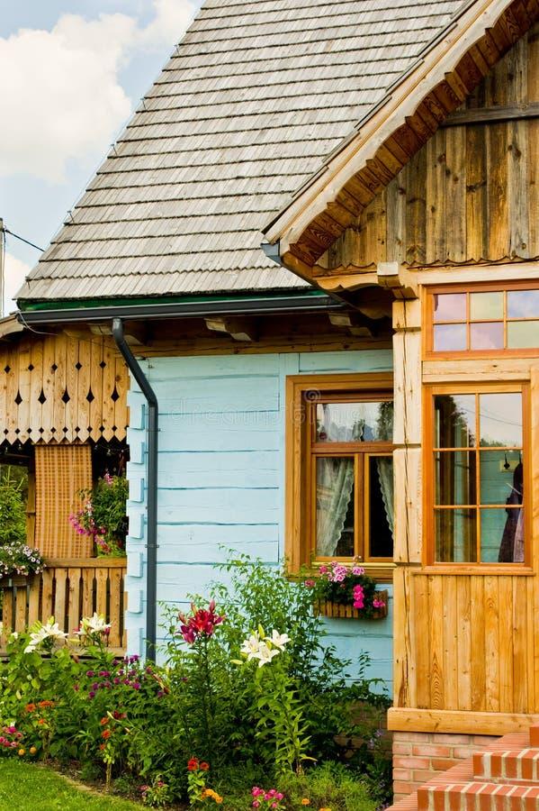 Wiejski drewniany dom w Polska zdjęcie stock