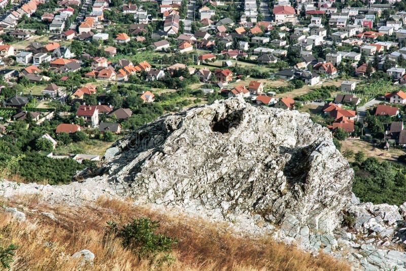 Wiejski krajobraz i wioska od wzgórza Zobor nad Nitra obrazy stock