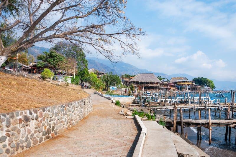Wiejski krajobraz przy Jeziornym Atitlan w Gwatemala obrazy royalty free
