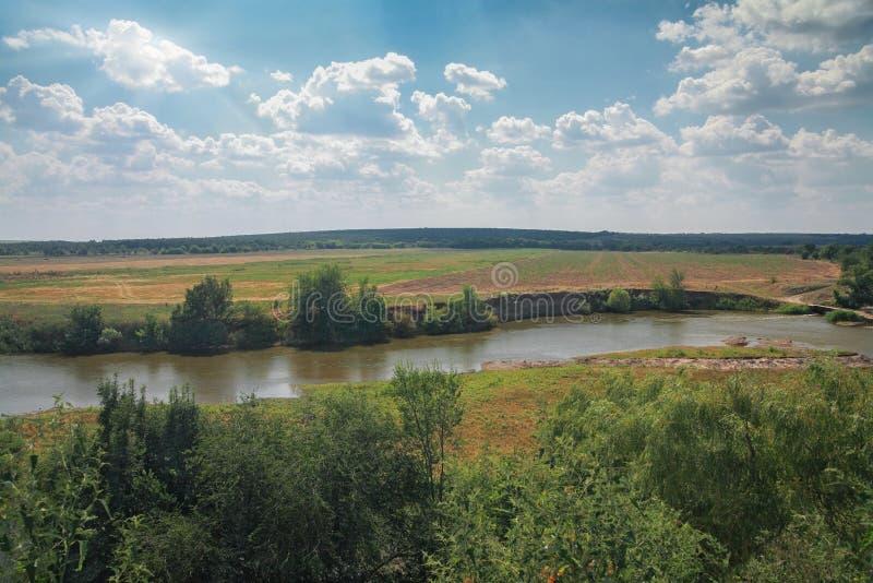 Wiejski krajobraz, rzeka obraz royalty free
