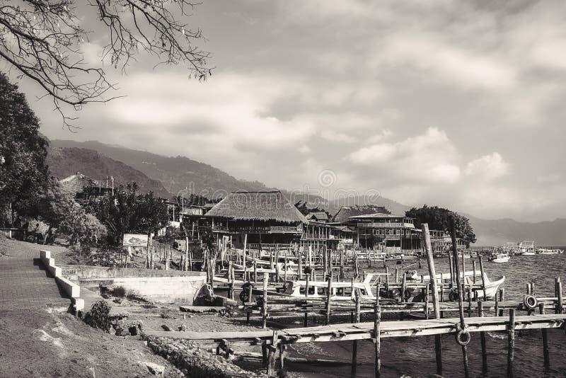 Wiejski krajobraz w Czarny I Biały - Panajachel, Gwatemala fotografia royalty free