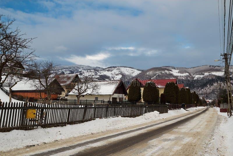 Wiejski krajobraz w zimie, Rumunia zdjęcie royalty free