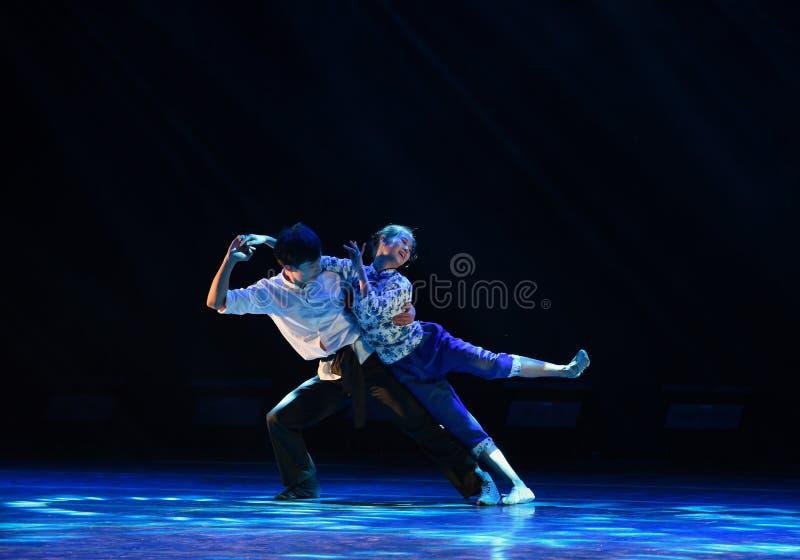 Wiejski męża i żony krajowy ludowy taniec obrazy royalty free