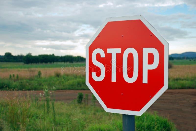 wiejskiej drogi znaka przerwa zdjęcie stock