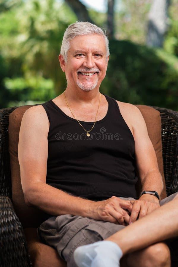 Wiek średni przystojny mężczyzna zdjęcia stock