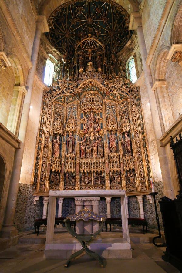 15 wiek nastawa w Coimbra Starej katedrze Velha lub Se obrazy royalty free