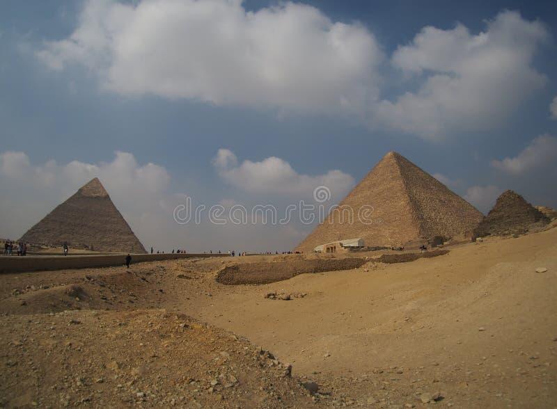 Wielcy Giza ostrosłupy w Egipt, panoramiczny widok obrazy stock