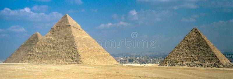 Wielcy ostrosłupy przy Giza zdjęcie stock