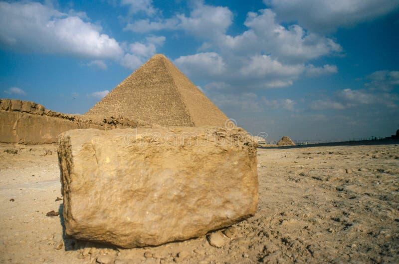 Wielcy ostrosłupy przy Giza obrazy royalty free
