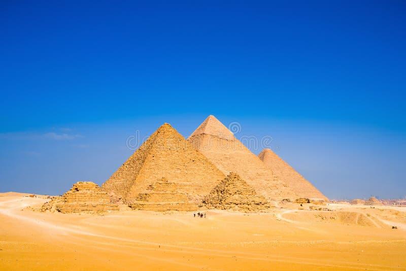 Wielcy ostrosłupy w Giza zdjęcia stock