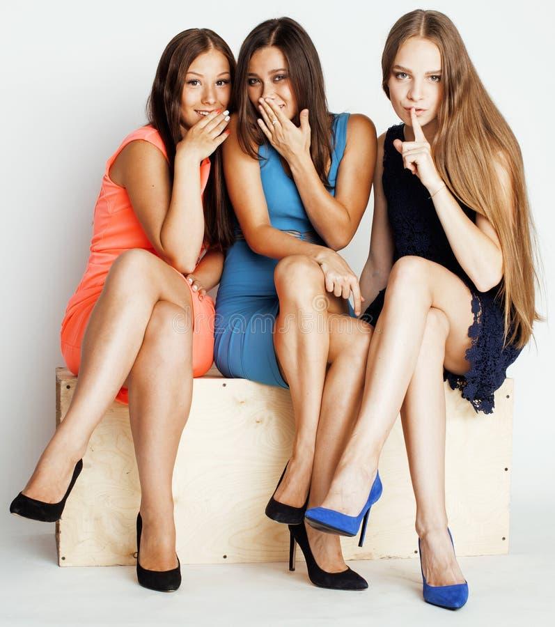 Wiele dziewczyny ściska świętowanie na bielu zdjęcia royalty free