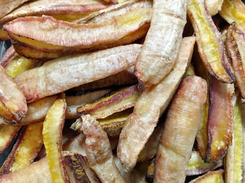 Wiele kawałki gotowi dla wysuszony banan jedzą jak przekąska zdjęcie stock