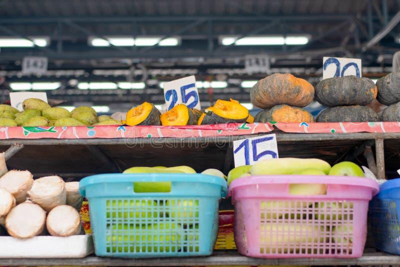 Wiele przy rynkiem warzywo dla gotować zdjęcia stock