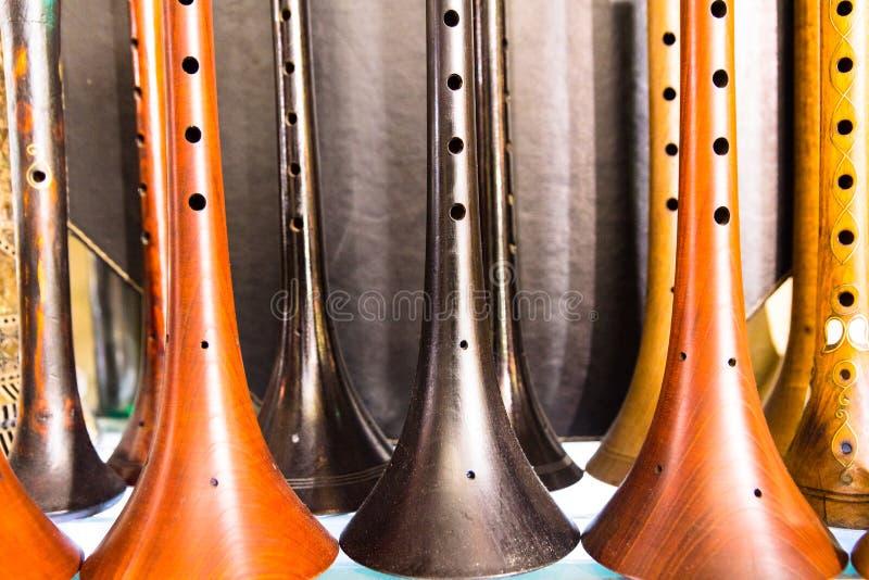 Wiele Tradycyjny Turecki drewniany instrument Zurna zdjęcie royalty free