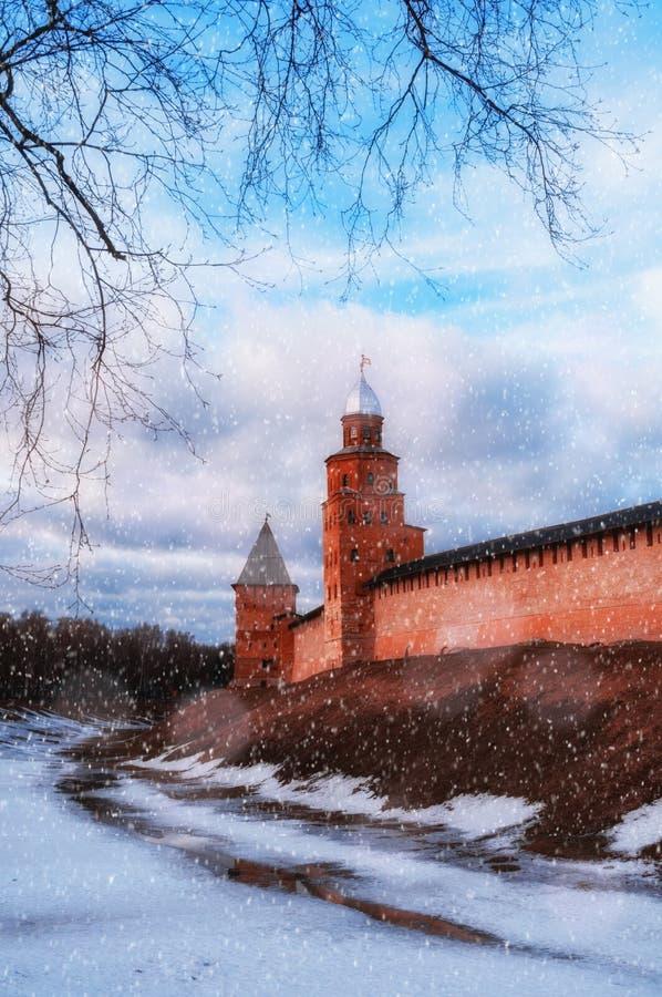 Wielij Nowogród, Rosja Wieże Wielika Nowogrodzka Twierdza Kremla, sceny zimowe zdjęcie royalty free