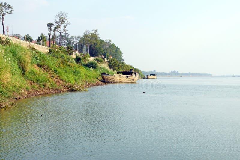 Wielka drewniana łódź na Mekong rzece obraz royalty free