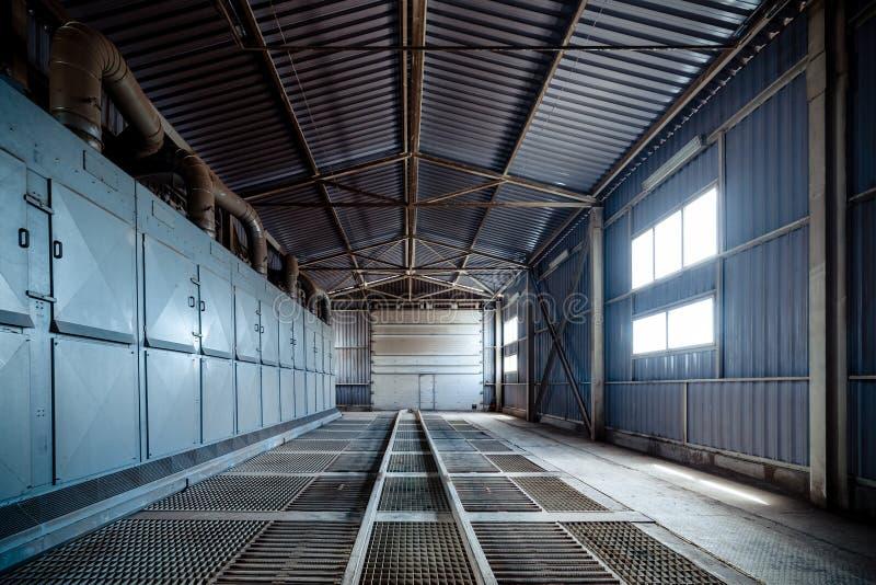 Wielka hangar kratownicy podłoga zdjęcia royalty free
