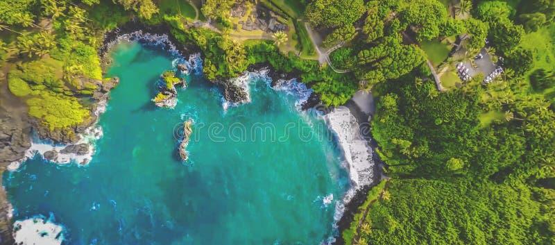 Wielka Hawaje graniczący z oceanem antena strzelająca na lecie fotografia stock
