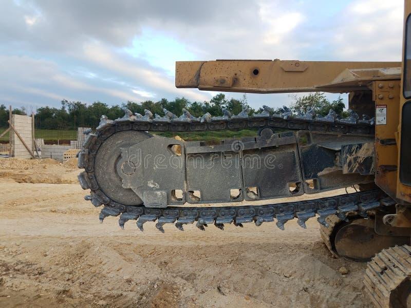 Wielka maszyny budowa która kopie przykopy w Puerto Rico w domu zdjęcie royalty free