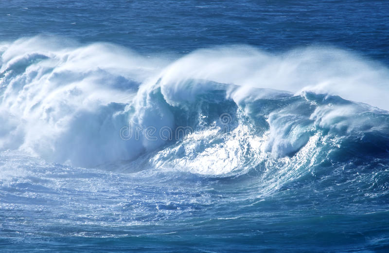 Wielka Potężna ocean fala fotografia stock
