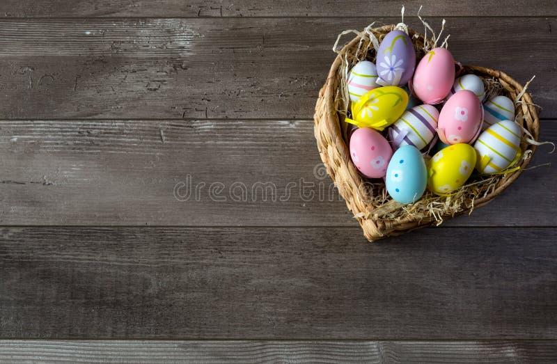 Wielkanoc koszykowi jaj zdjęcie stock