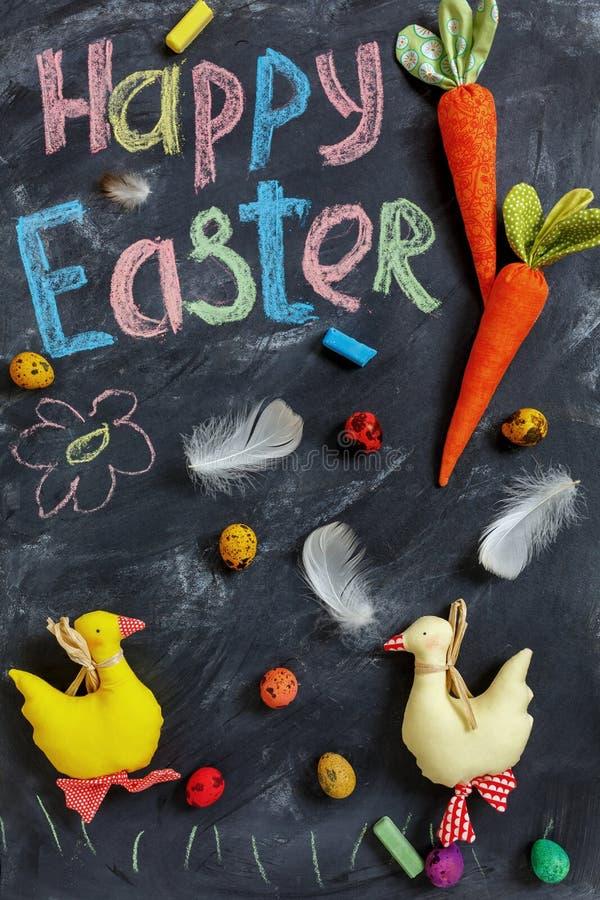 Wielkanocna karta z kaczkami i tradycyjnymi farbującymi jajkami obrazy stock