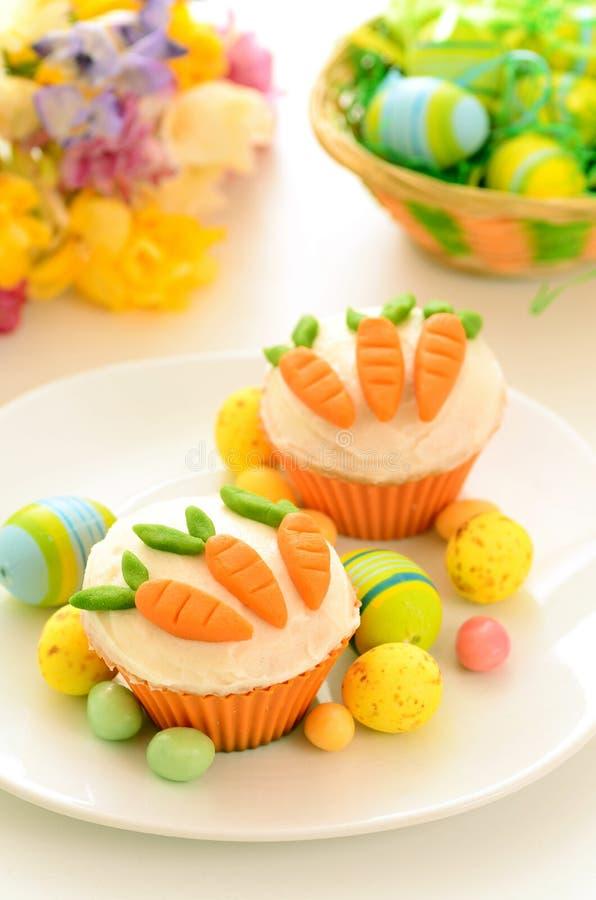 Download Wielkanocne Babeczki Z Cukierek Marchewkami Zdjęcie Stock - Obraz złożonej z easter, cukierek: 28974046