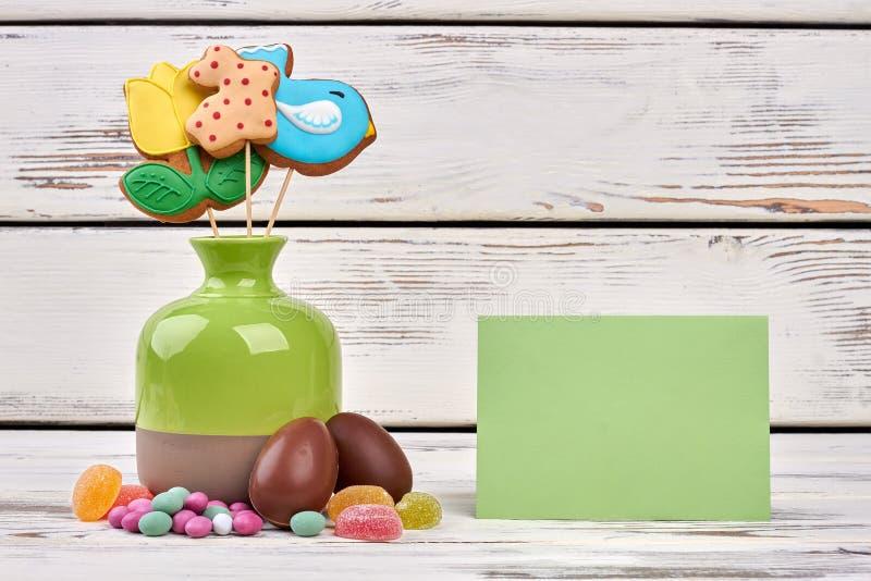 Wielkanocni cukierki, pusty kartka z pozdrowieniami zdjęcia royalty free