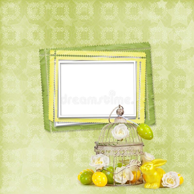 Wielkanocni jajka i śmieszny królik na zielonym tle ilustracji