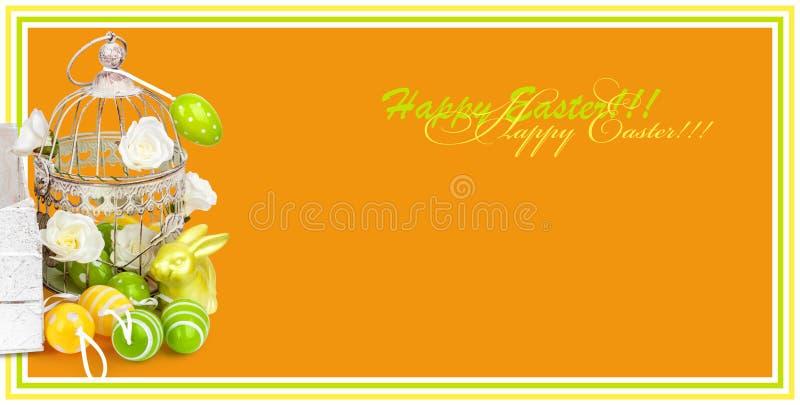 Wielkanocni jajka i śmieszny królik odizolowywający na pomarańczowym tle ilustracji
