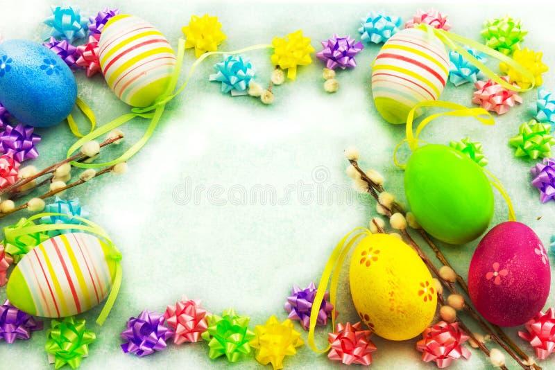 Wielkanocni kolorowi jajka, rama zdjęcia royalty free