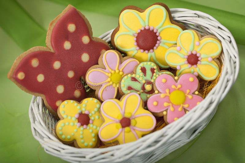 Wielkanocni tradycyjni Piernikowi ciastka obraz stock