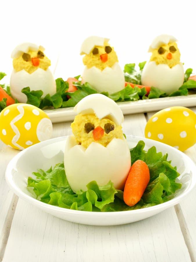 Wielkanocny śniadanie pisklęcy jajka zdjęcia stock