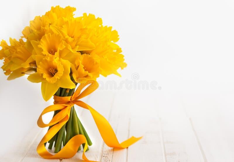 Wielkanocny bukiet żółci daffodils zdjęcia stock
