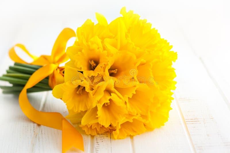 Wielkanocny bukiet żółci daffodils obrazy stock