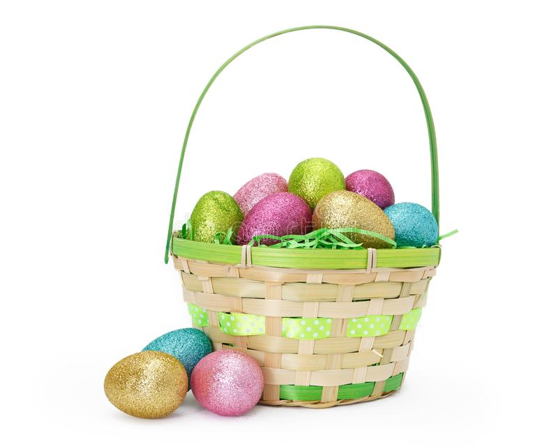 Wielkanocny kosz Z błyskotliwość jajkami Odizolowywającymi na bielu obraz stock