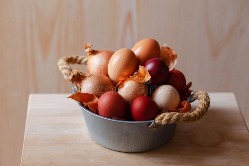 Wielkanocny skład z brązów jajkami fotografia royalty free