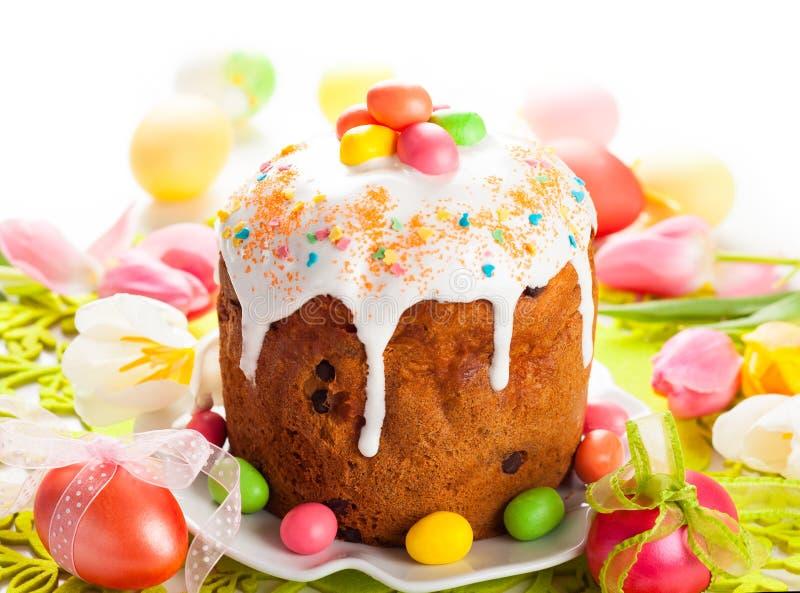 Wielkanocy jajka i tort zdjęcie stock